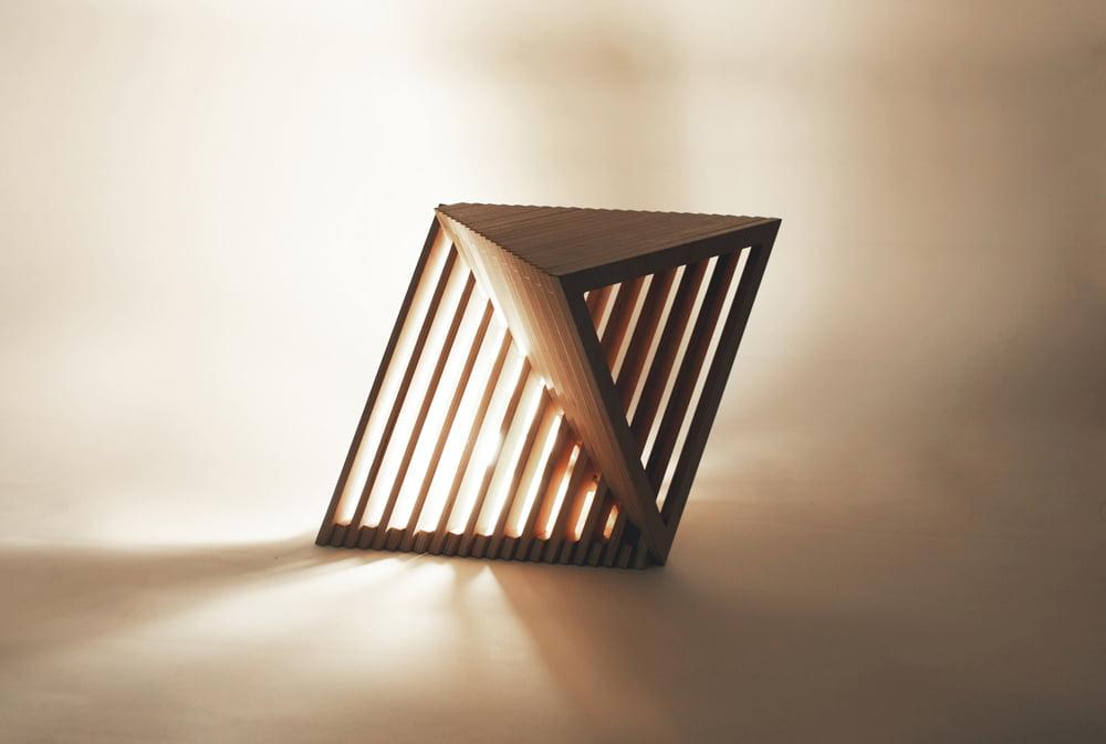 01_Equilateral Lamp Light_Illumination